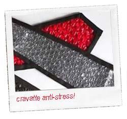 Cravatta creativa antistress con le bobine a bolle